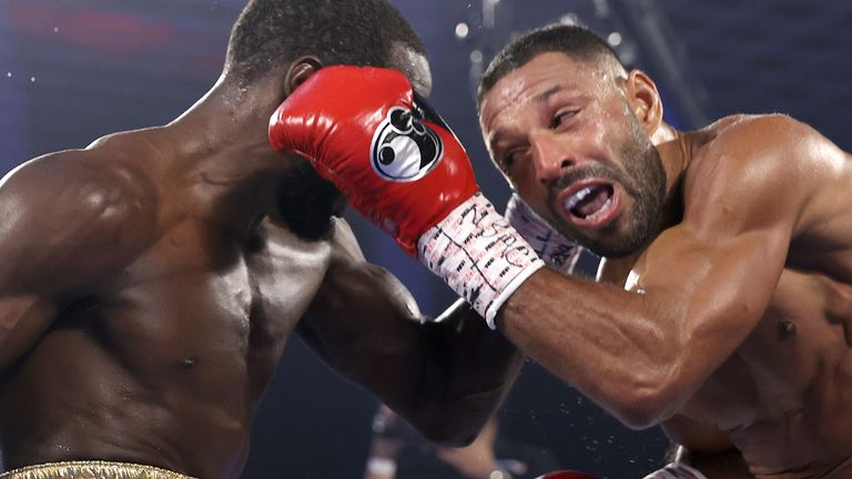 Terence Crawford stopped Kell Brook in the fourth round
