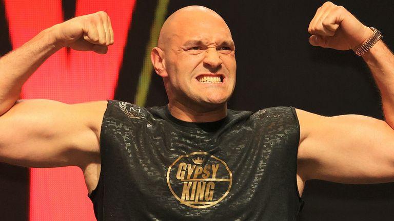 Tyson Fury held talks to fight Carlos Takam and Agit Kabayel