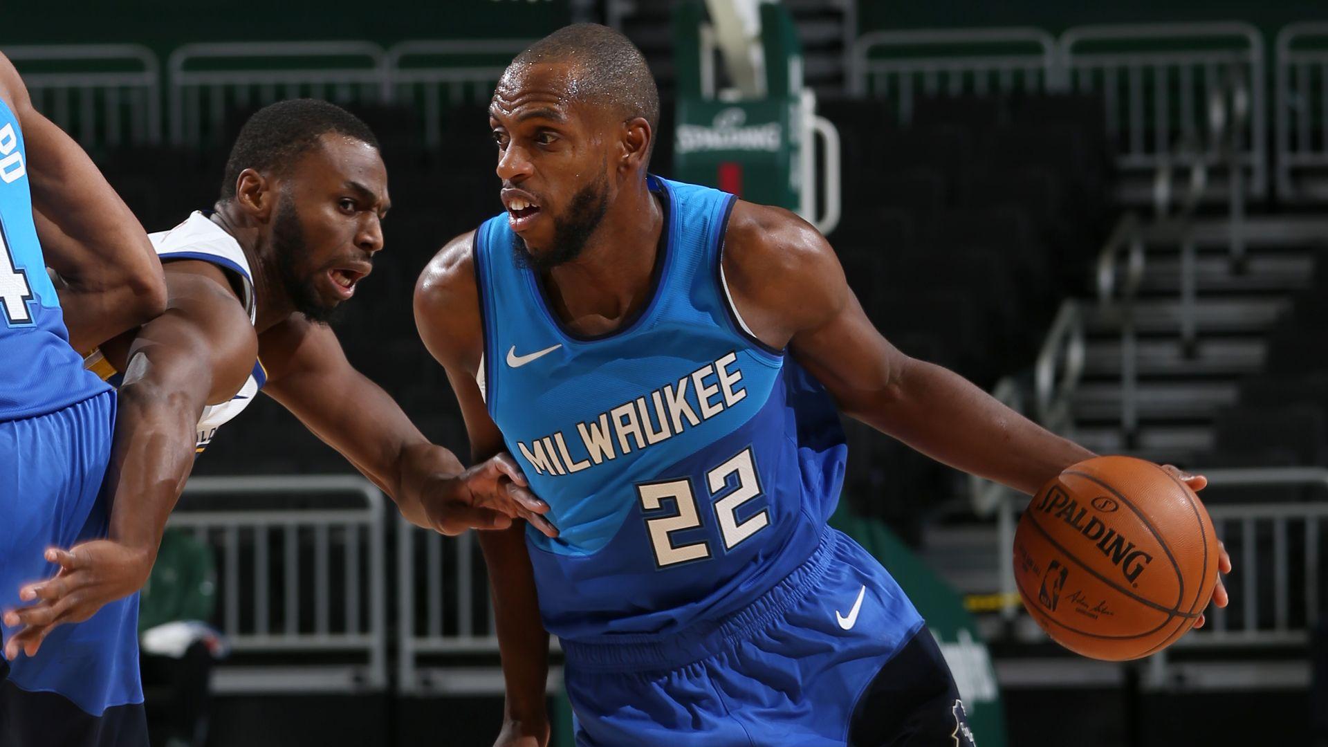 Middleton fires as Bucks blow away Warriors