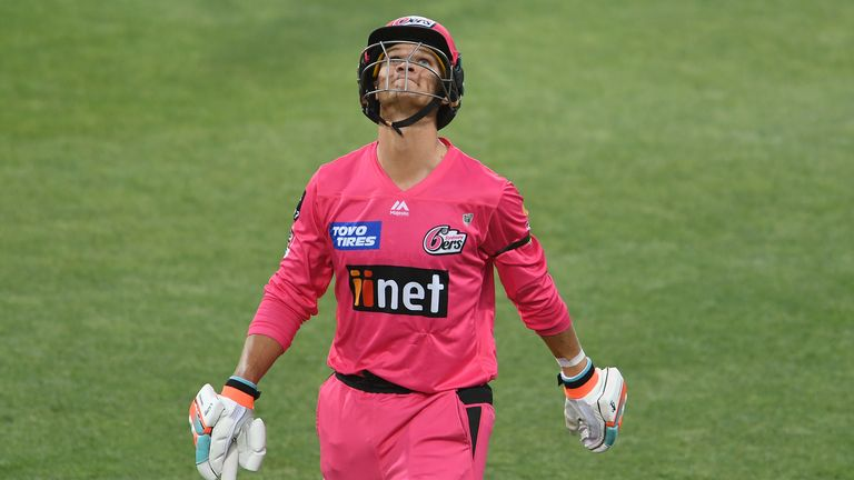 Josh Philippe fell five runs short of a maiden T20 century as he led the Sixers to an emphatic victory