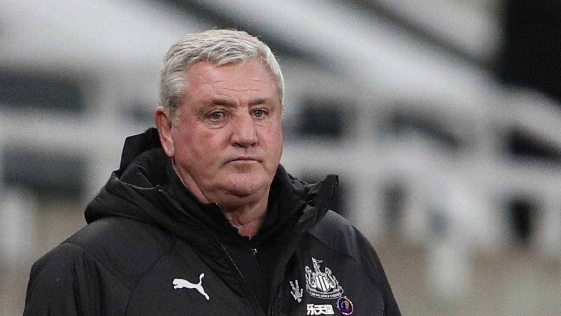Bruce retains backing of Newcastle owner Ashley
