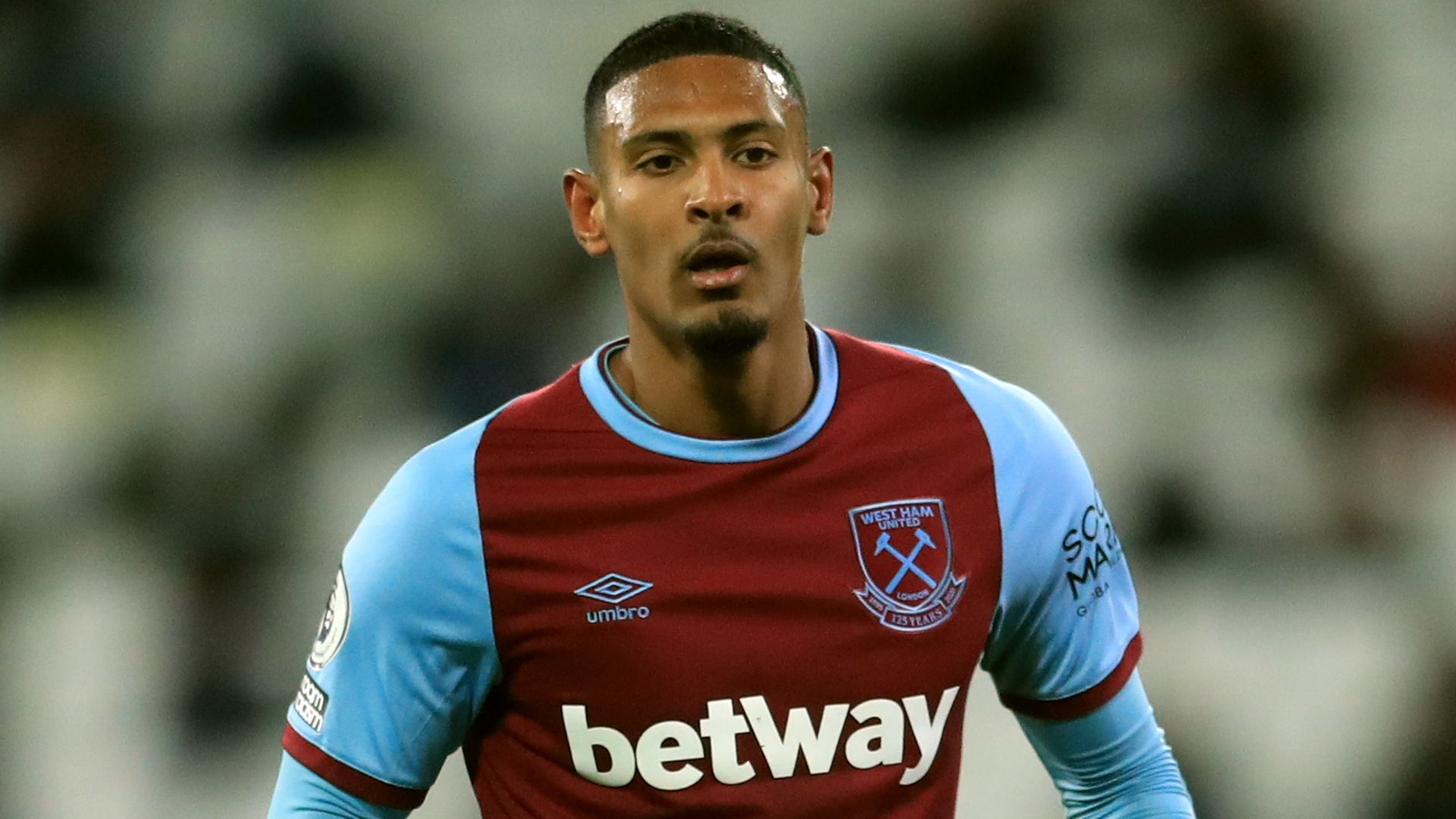 Ajax trying to sign Haller from West Ham