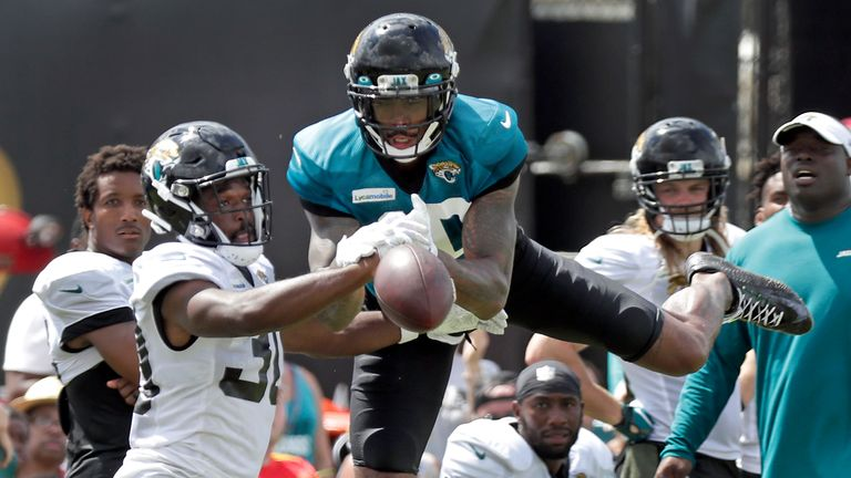Wane found a fascinated audience when he visited Jacksonville Jaguars