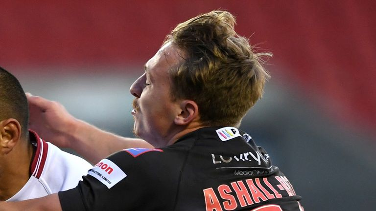 Olly Ashall-Bott is joining Huddersfield Giants on a 10-month deal