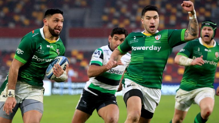 Curtis Rona (left) on his way to score London Irish's third try