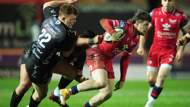 Steff Evans of Scarlets in action against the Dragons