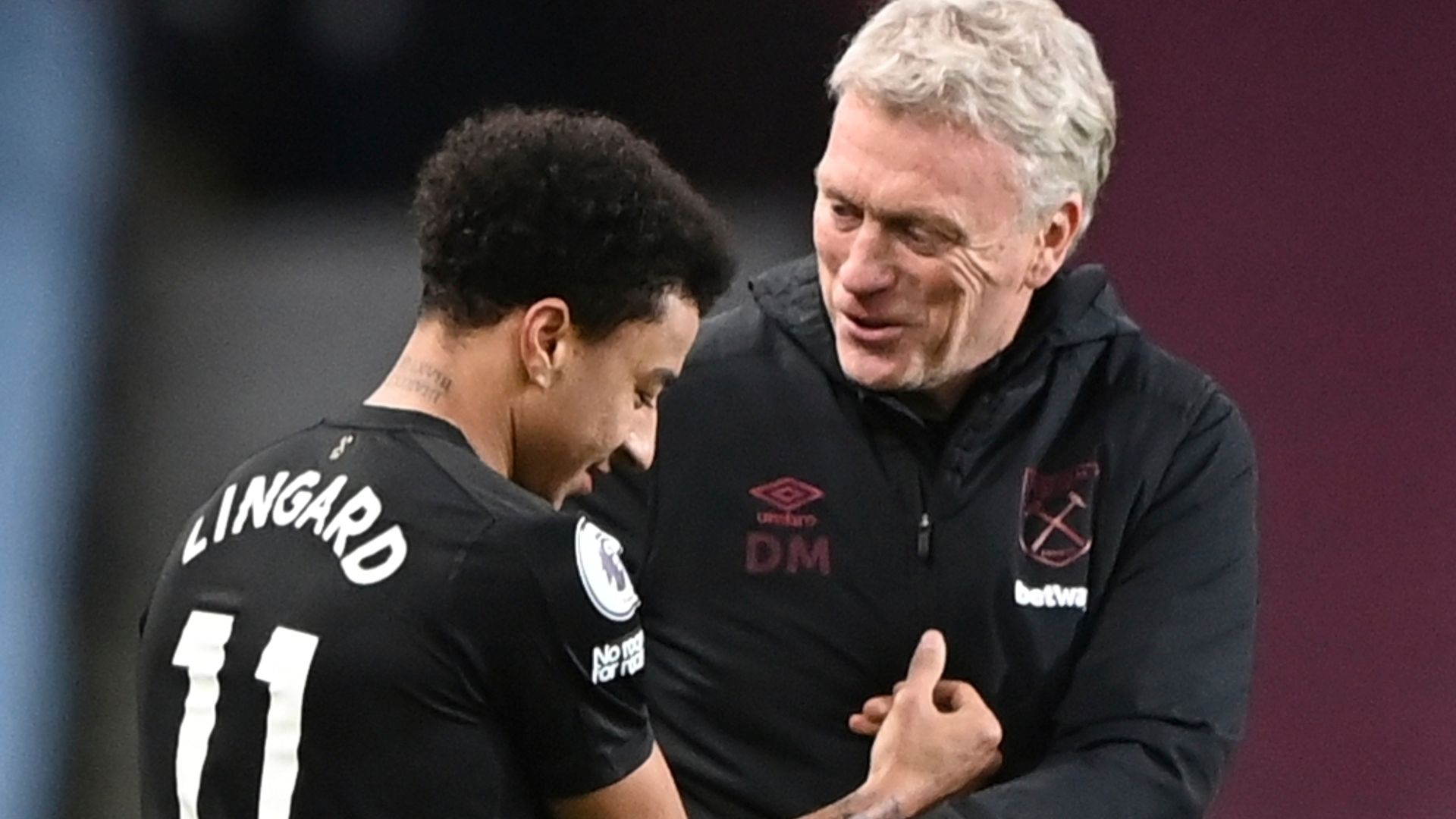 Moyes considers permanent Lingard transfer