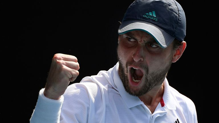 Aslan Karatsev sa minulý mesiac dostal do semifinále Australian Open