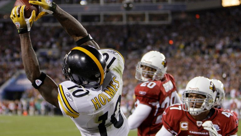 Santonio Holmes goes up and makes the game-winning grab for the Steelers against the Cardinals in Super Bowl XLIII
