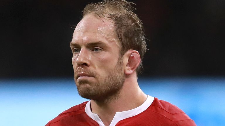 Alun Wyn Jones has extended his contract with the WRU and Ospreys for another year
