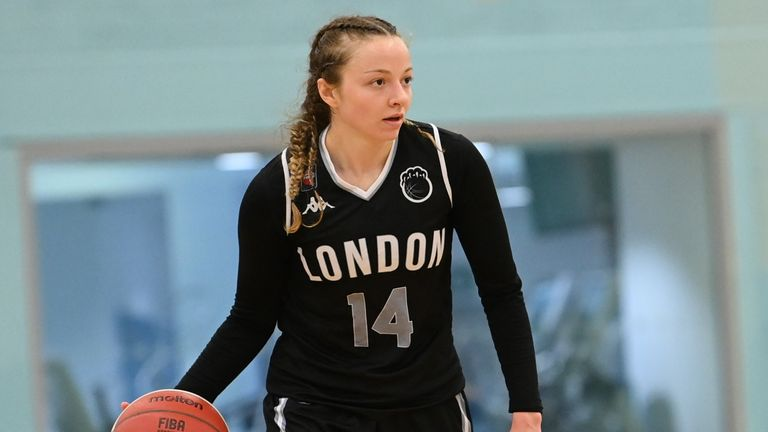 Kennedy Leonard in action for the London Lions