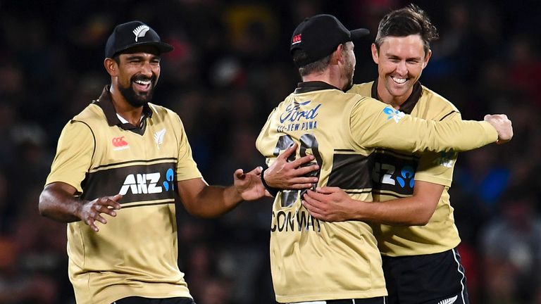 New Zealand had reduced Australia to 114-6 in Wellington
