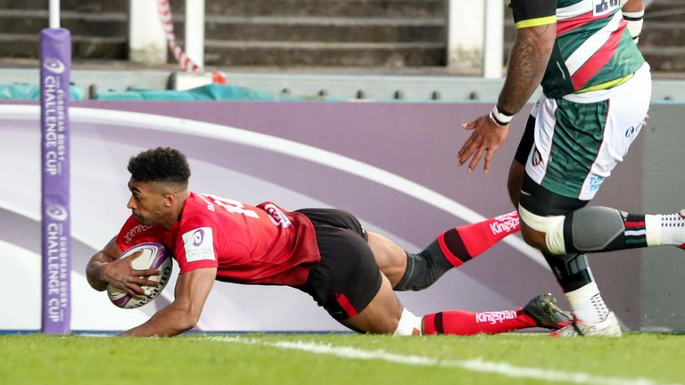 Robert Baloucoune thought he had scored, but the try was correctly ruled out for an earlier knock on