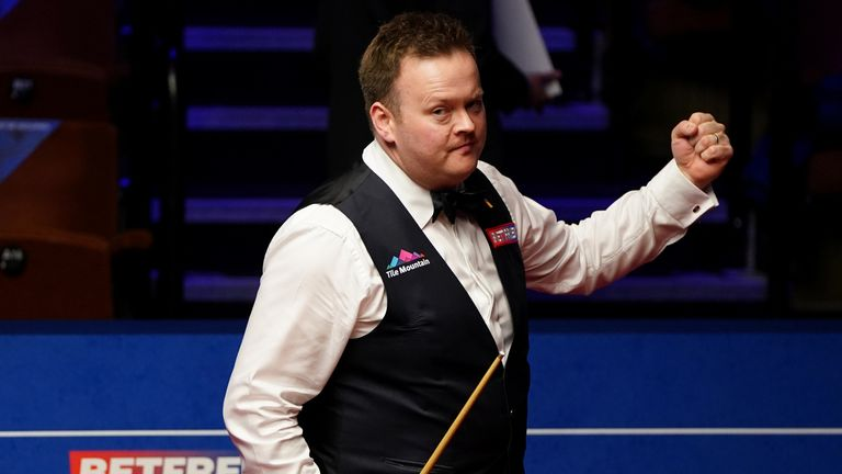 Shaun Murphy booked his place in the semi-finals of the World Snooker Championship for the first time since 2015
