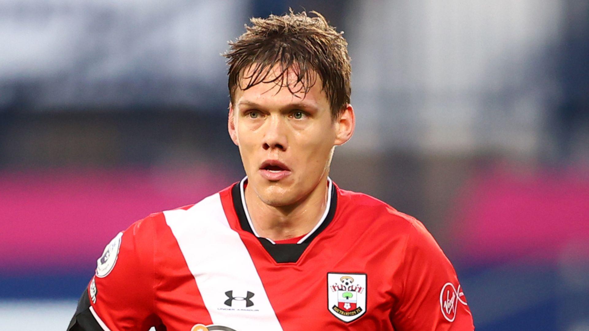 Southampton accept Leicester's Vestergaard bid