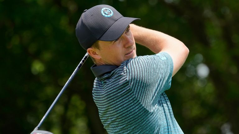 Spieth bounced back from his 70 on Friday with a 66