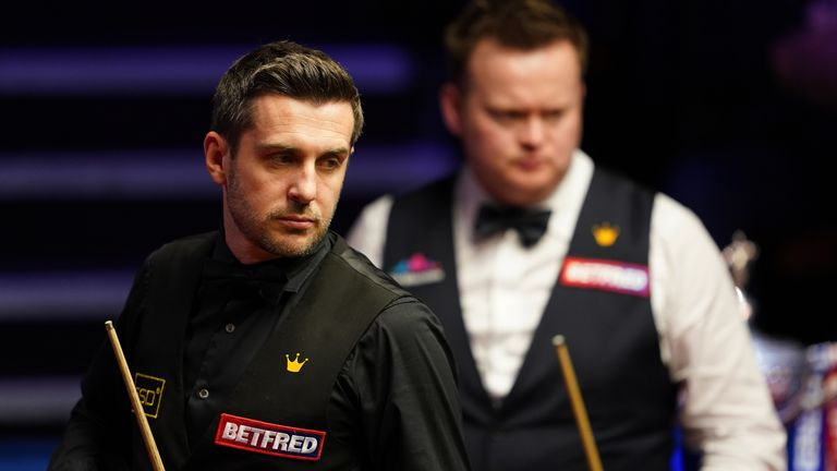 Selby maintained his three-frame advantage over Murphy