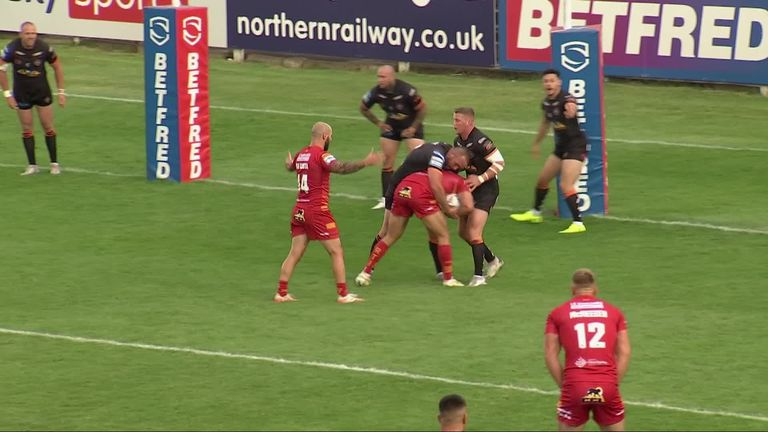 Highlights from the Super League clash between Castleford and Catalans.