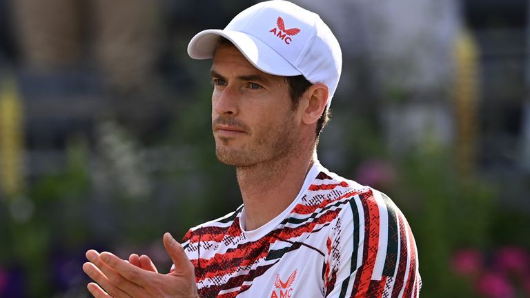 Andy Murray made a winning start to his Queen's Club campaign with an impressive performance against Frenchman Benoit Paire