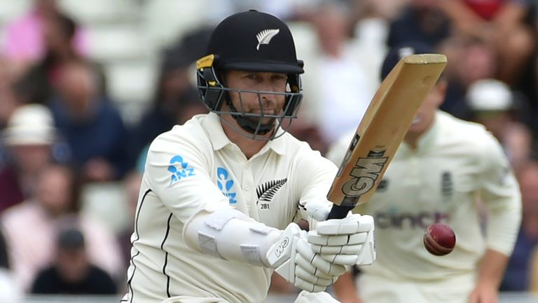 Conway batted superbly before holing out with another century in his sights