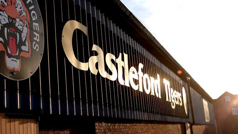 Castleford, Hull KR, Bradford get academy licenses following RFL U-turn | Rugby
