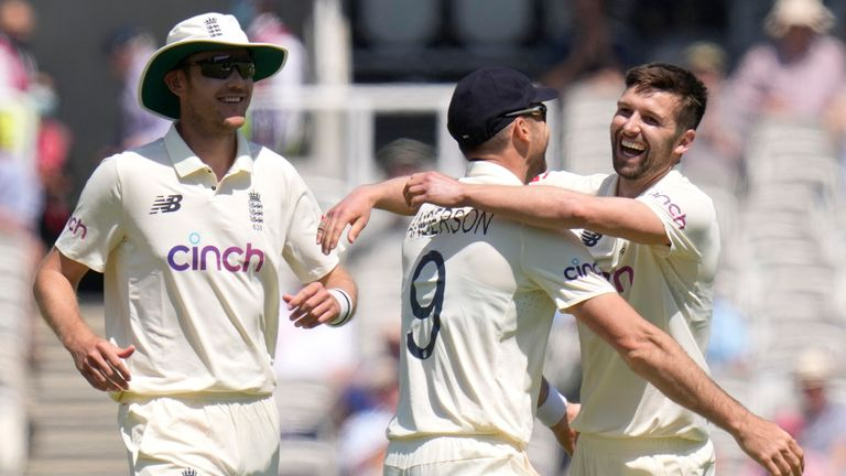 Mark Wood dismissed Henry Nicholls, BJ Watling and Mitchell Santner during a scintillating spell