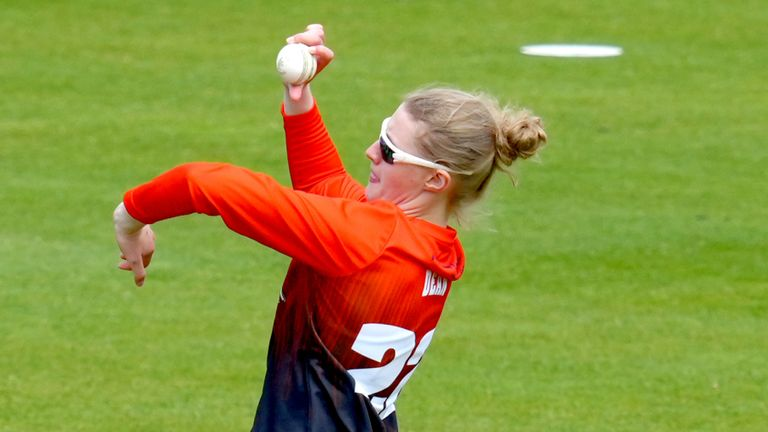 Charlie Dean's figures of 5-19 gave Southern Vipers a winning start to their Charlotte Edwards Cup campaign as they routed Central Sparks by eight wickets