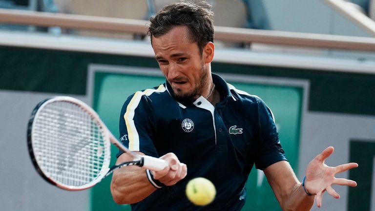 French Open: Daniil Medvedev, Stefanos Tsitsipas, Alexander Zverev advance to