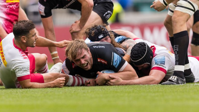 Jonny Gray hits back for Exeter, as he crashes over for their first try