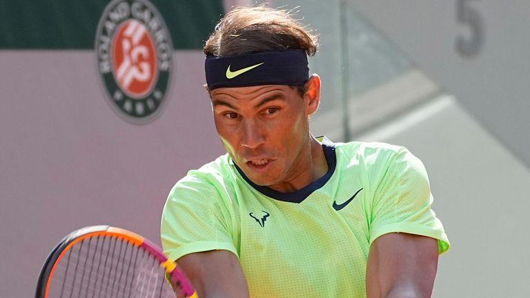 Rafael Nadal in una partita contro l'italiano Yannick Sener durante la partita del quarto turno