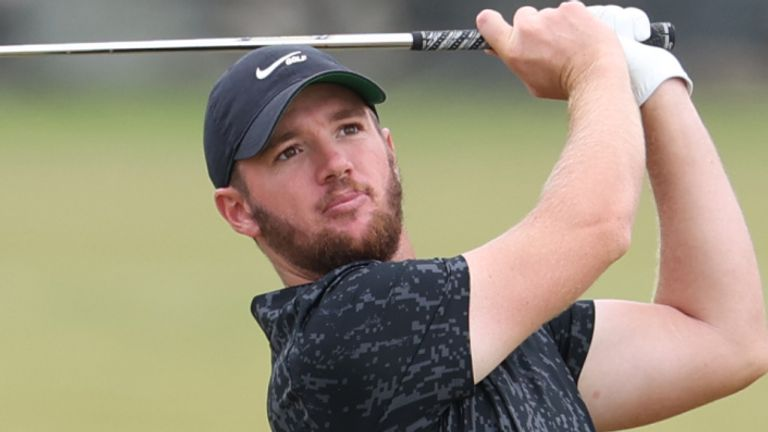 Wolf shares the first-round lead with Sam Horsfield