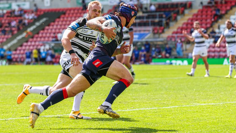 Theo Fages runs in for his try in the Challenge Cup semi-final