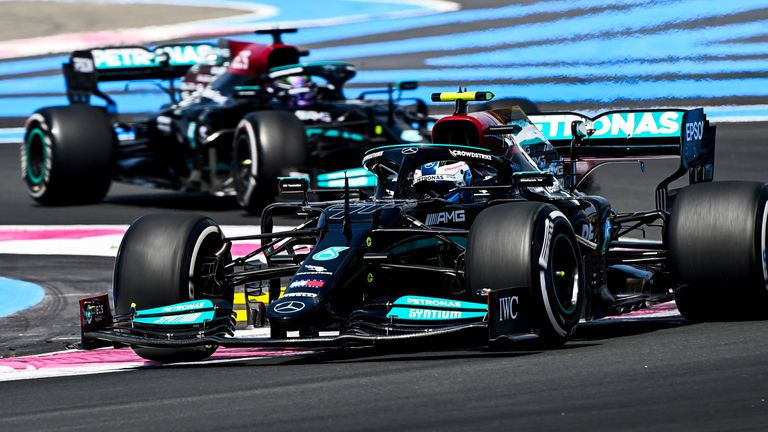 GP of France: Valtteri Bottas leads the response of Mercedes in the first test in front of Lewis Hamilton