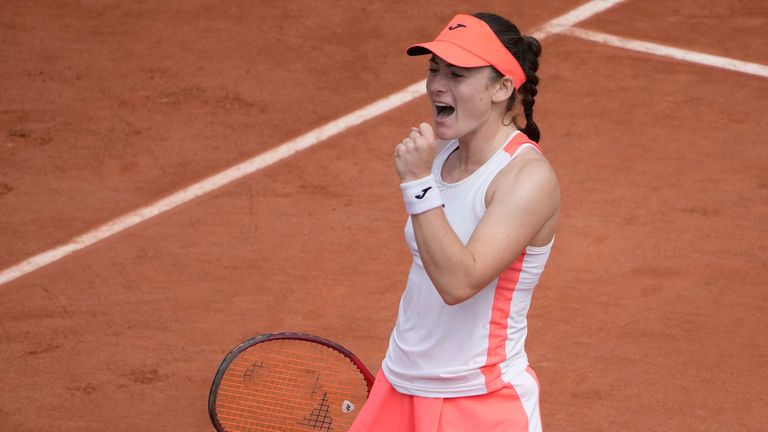 For the third straight year at Roland Garros, two debutants will collide in the quarter-finals, as Badosa and Zidansek lock horns