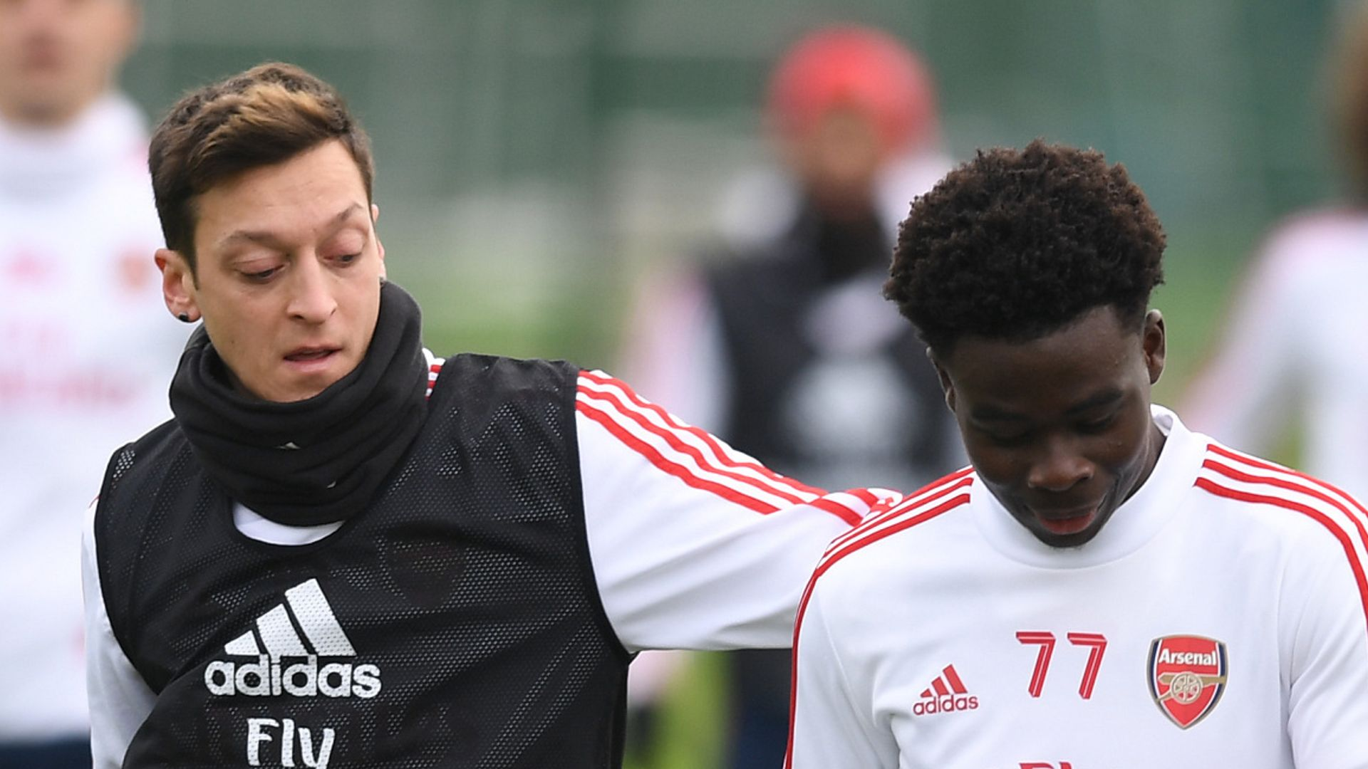 Ozil urges Saka to stay strong in face of racism
