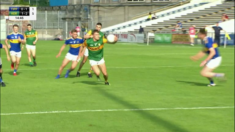 Gavin White draws in three defenders, before popping it out wide to David Clifford who buries it