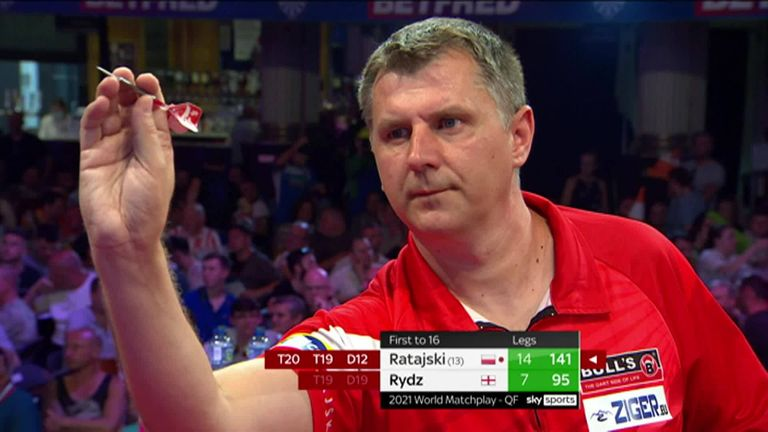 Ratajski all but booked his place in the semi-finals with this classy 141 checkout