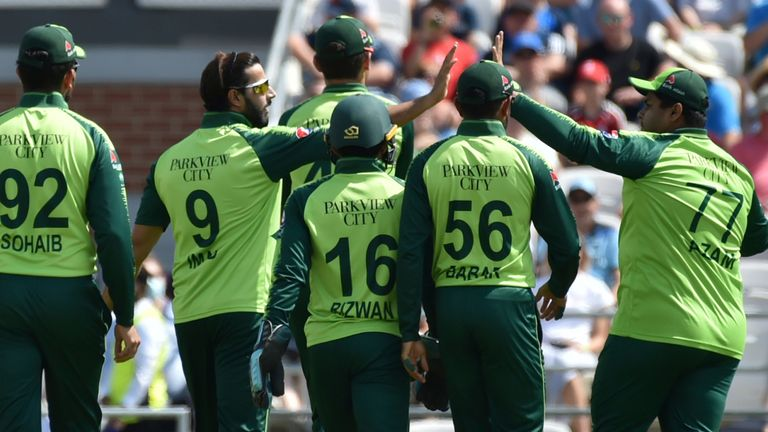 Imad Wasim got Pakistan off to a great start with the wickets of Jason Roy and Dawid Malan