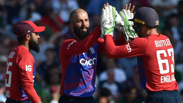 The best of the action from the 2nd T20 international between England and Pakistan at Headingley.