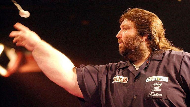 Fordham hizo su debut en el Campeonato Mundial BDO en 1995