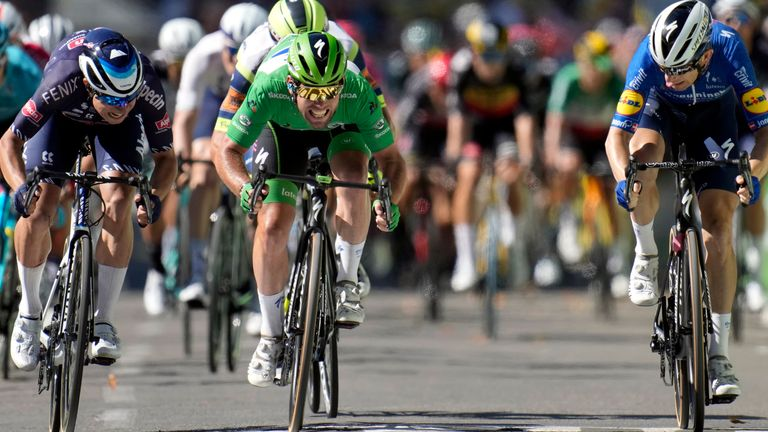 Cavendish produced a brilliant sprint finish to win stage 13