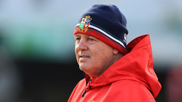 Former Wales and Lions back Gareth Thomas says it is hard to question Warren Gatland's selection choices ahead of the second test against South Africa.