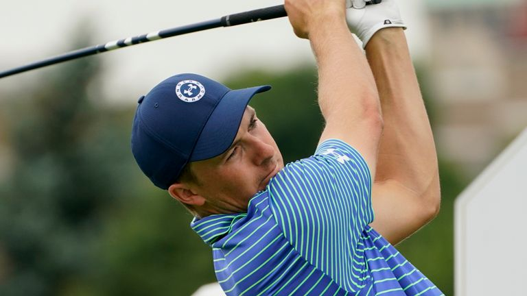 Jordan Spieth stormed into the mix after a 62
