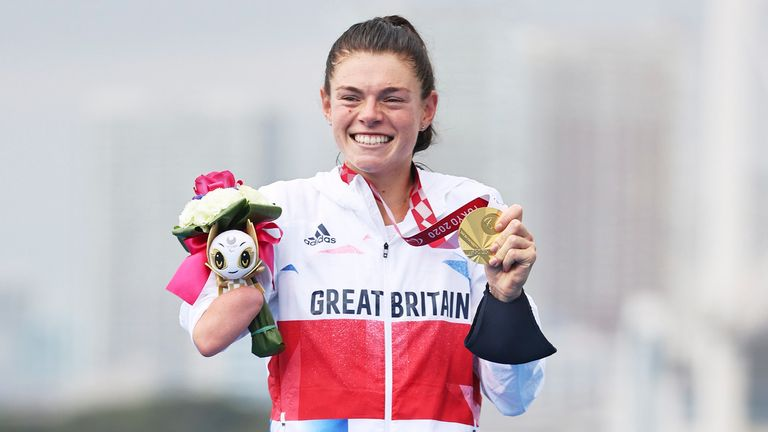 Lauren Steadman beaming with her gold medal (Image credit - imagecomms)