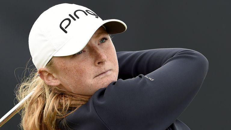 La championne amateur, Louise Duncan, frappe à la maison