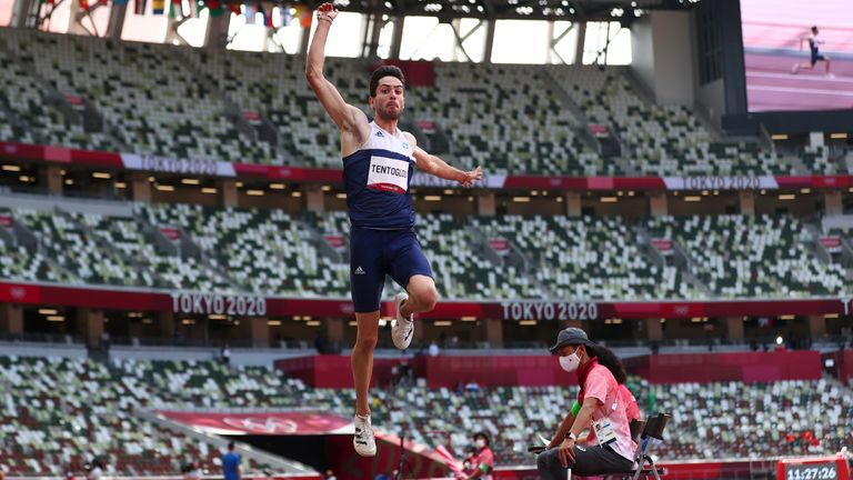 Miltiadis Tentoglou jumped 8.41m in the final round of the competition to take gold away from Juan Miguel Echevarria