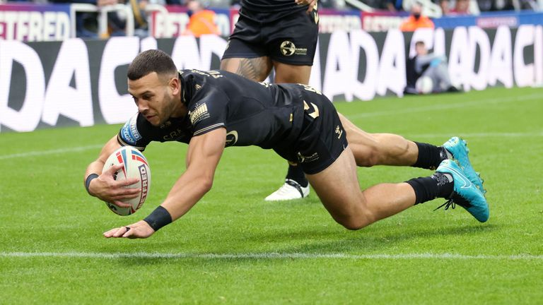 Carlos Tuimavave was among the try-scorers for Hull FC
