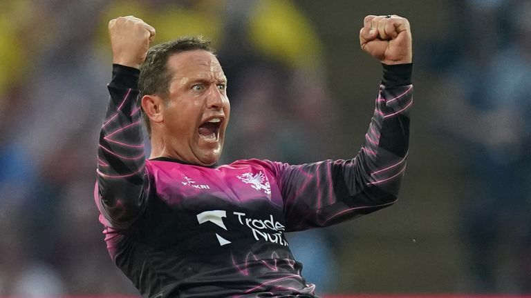 Roelof van der Merwe took three wickets to put Somerset in a strong position before the Spitfires rallied