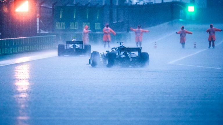 Машины F2 стартовали на трассе этим утром, прежде чем гонка была быстро отложена - и теперь финальная тренировка Формулы 1 также была отменена.