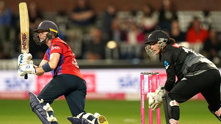 The best of the action from the third T20 between England and New Zealand Women.